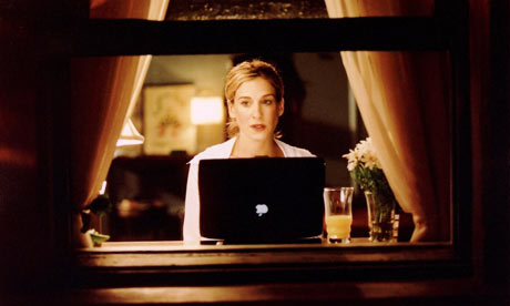 carrie-with-her-mac-001